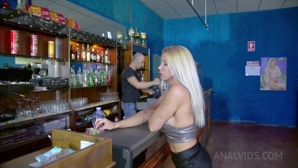 Lara De Santis - fuck a fan 3 - anal, DP, gape, squirting, cum in mouth OTS408