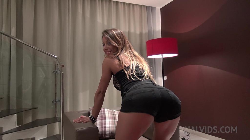 Double dildo pleasure for Nikky Thorne OTS500
