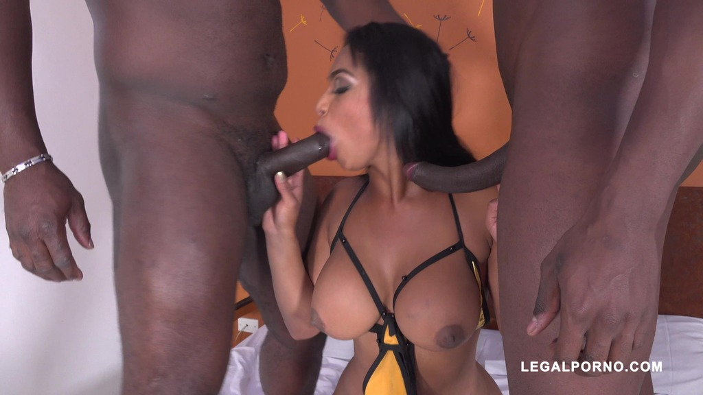 First time with two black guys for Paola Murphy IV381