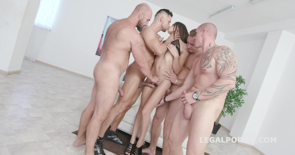 From Dressed to Naked Barefoot Avi Love 4on1 DAP, TP, Big Gapes, Messy...