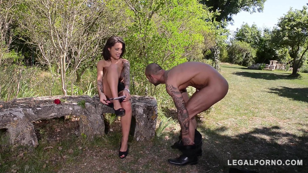Endless outdoor anal penetration & pussy fucking with Milf Nikita Bellucci GP871