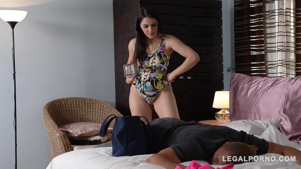 Sexy threesome with Lucy Heart & Valentina Nappi makes him cum instantly GP828