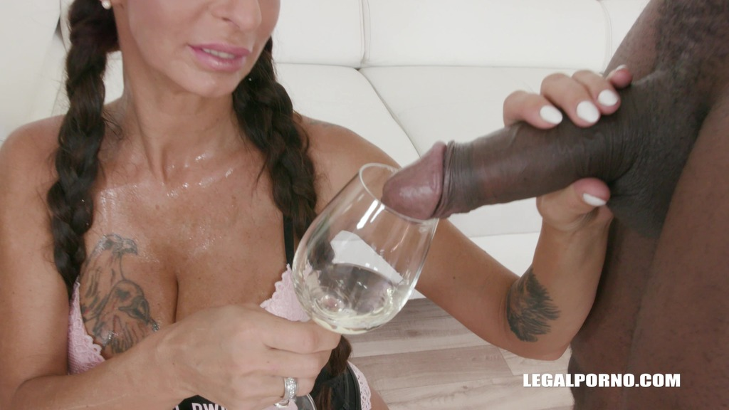 Valentina Sierra is coming to get pissed on IV318