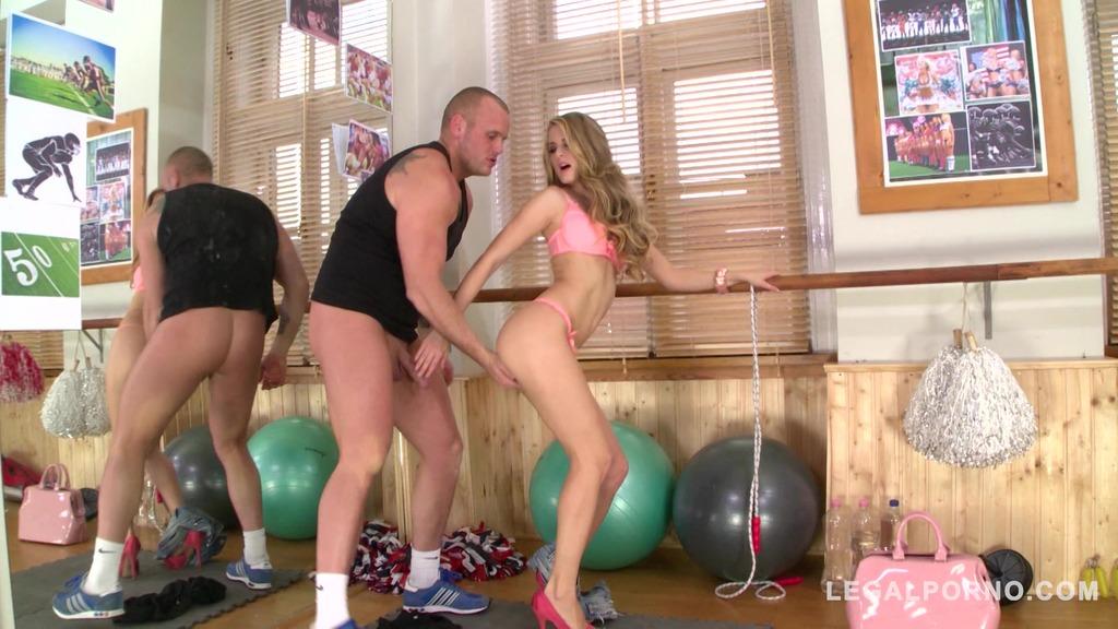 Insatiable gym slut Cayenne Klein deep throats dude's big dick before fuck GP736