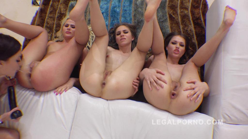 Roxy Dee, Jenna Clarke, Katie Montana & Ginger Fox lesbian kreme farting assholes RS174