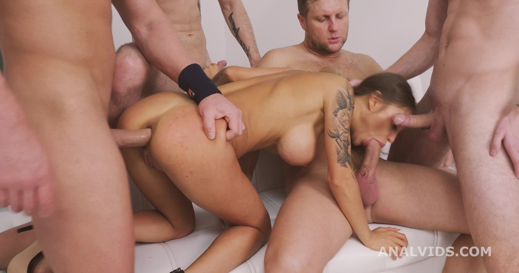 Thats a DAP, isn't it? Monika Fox 4on1 first time DAP with also DP, Gapes, Buttrose and Swallow GL341