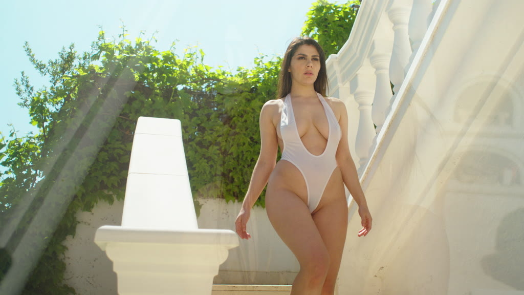 Sexy Italian pornstar Valentina Nappi gets pussy fucked deep on her knees GP1266