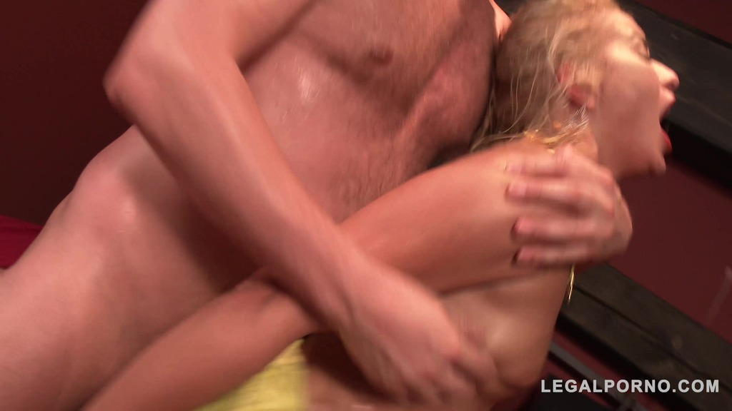 Intense balls deep fucking on the bed with Cherry Kiss SZ1415