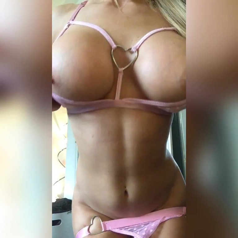 Rare Vid Anal Play Time With Alix Lynx