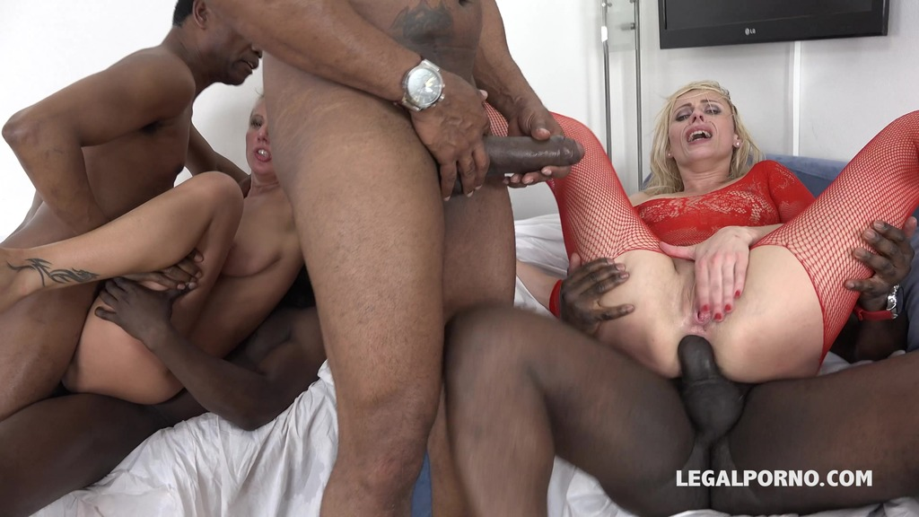 Oh my god! The goddess Brittany Bardot teaching Lucy Angel how to take the fist & double anal Part 2 IV078