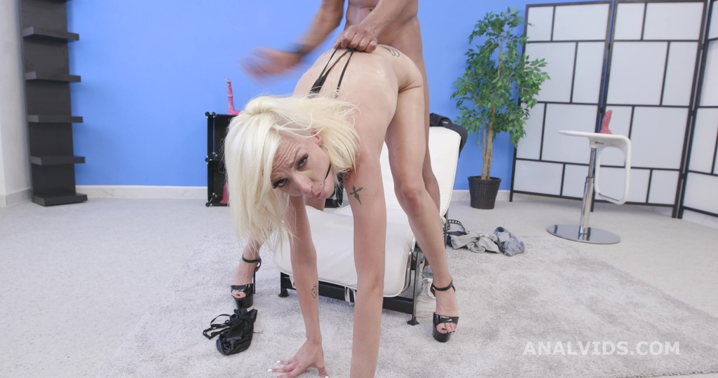 Sara Slave Vs Dylan Brown, Balls Deep Anal, Gapes and Swallow GIO1511