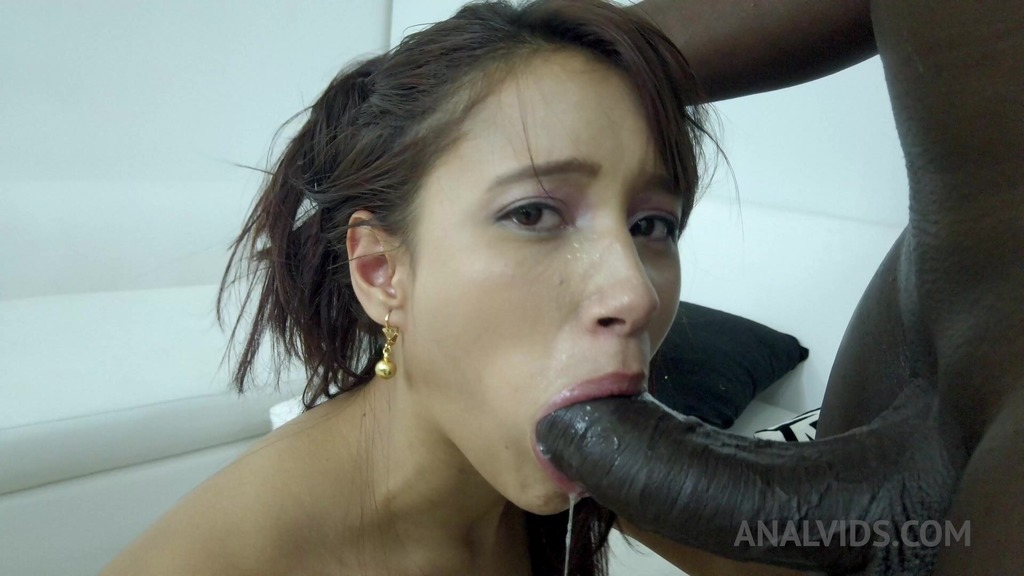 Lia Ponce first anal with BBC NT013