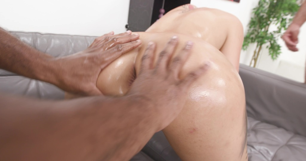 Jolee Love is Unbreakable #2 WET,, BBC, BWC, ATM, DAP, No Pussy, Big Gapes, Pee Drink, Facial GIO1936