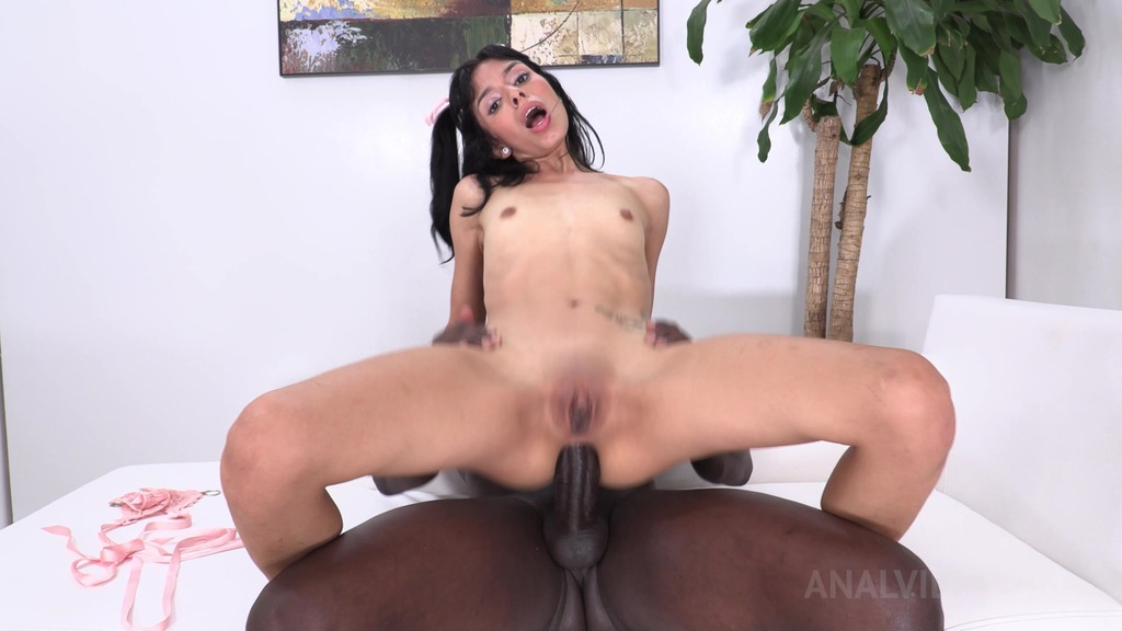 Daniela Ortiz riding huge BBC for the first time NT026