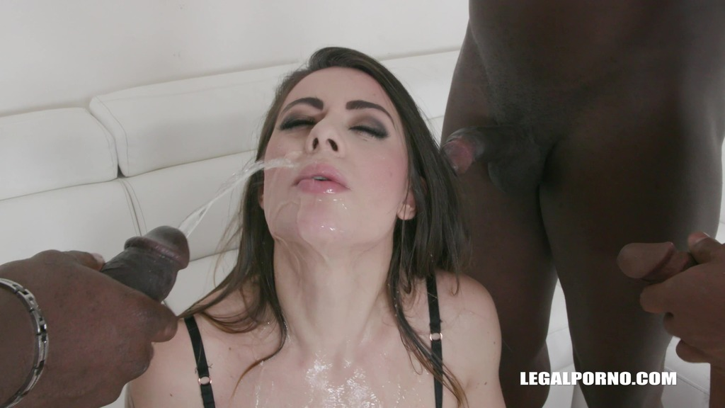 Giorgia Roma loves sex and golden showers