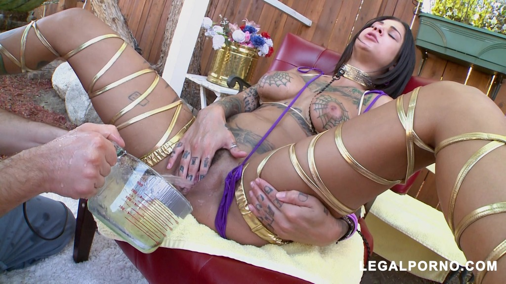 Tattoos, Squirting and Anal Gapes! This Is Bonnie Rotten