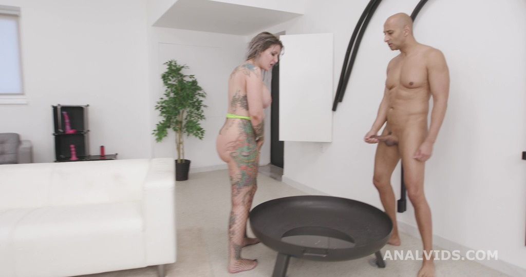 Basined, Alexxa Vice goes wild with lots of Pee Drink, Balls Deep Anal, DAP, Gapes, Small Buttrose, Squirt and Swallow GIO1659