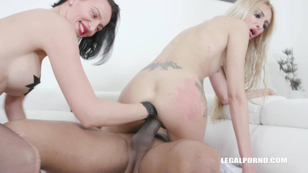 Anita Blanche comes back to get fisted & fucked IV481