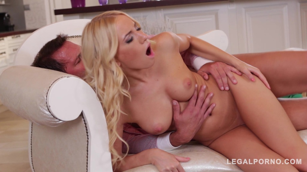 Hungarian babe Kiara Lord takes big cum load doggy style on her curvy ass GP632