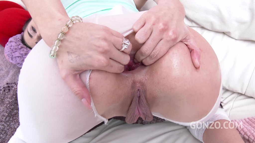 Nicole Love's pissing fantasy & airtight DP