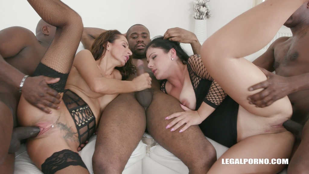 Janice United & Valentina Sierra enjoy black cocks IV449