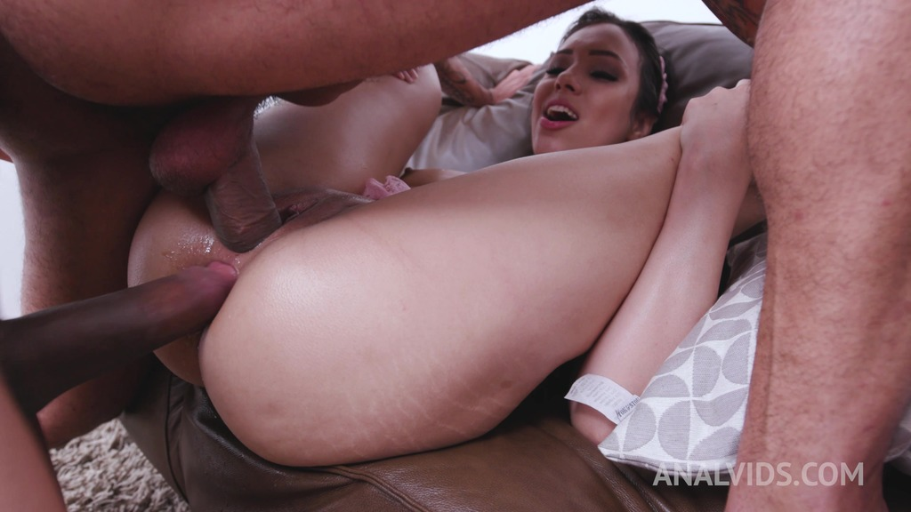 Cute brazilian slut Amanda Borges assfucked balls deep with double penetration & anal creampie YE021
