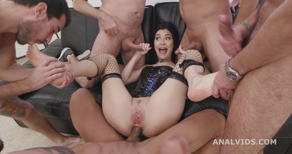 Naked Barefoot with Tabitha Poison, 5on1 Balls Deep Anal, Gapes, DAP, ATM and Swallow GIO1657