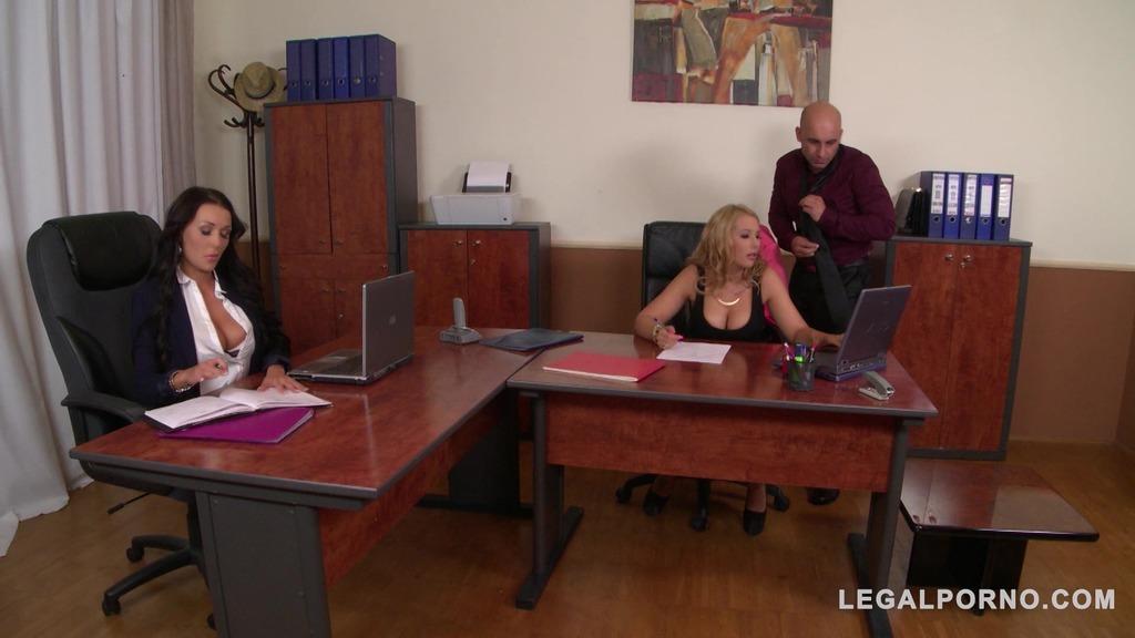Boss Fucks His Two Secretaries Kyra Hot & Patty Michova At The Office GP108