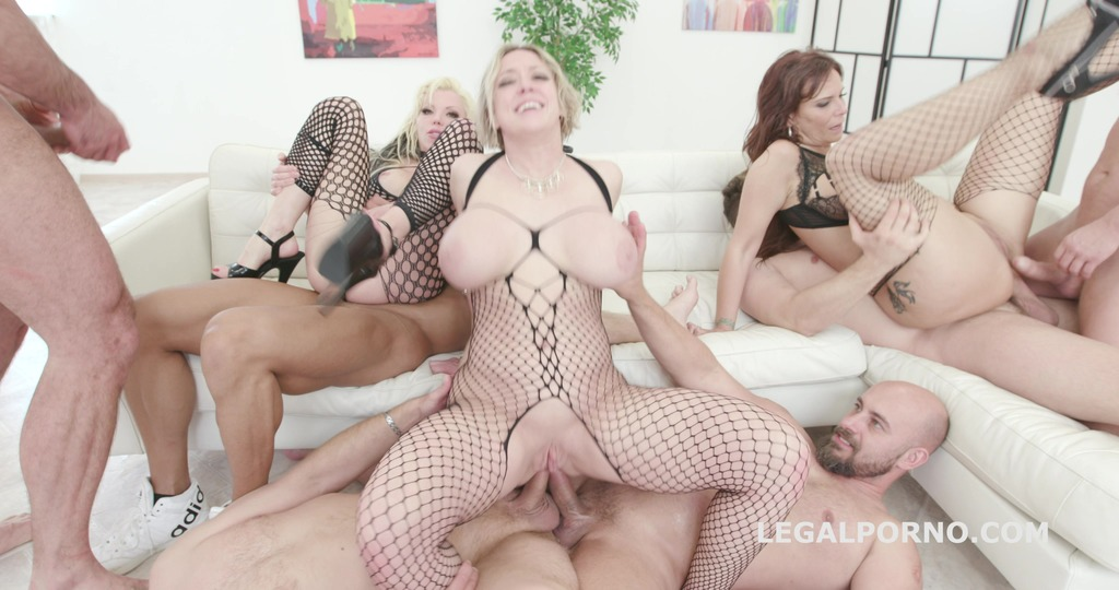 Outnumbered both ways Squirt Edition – Syren De Mer, Dee Williams, Barbie Sins