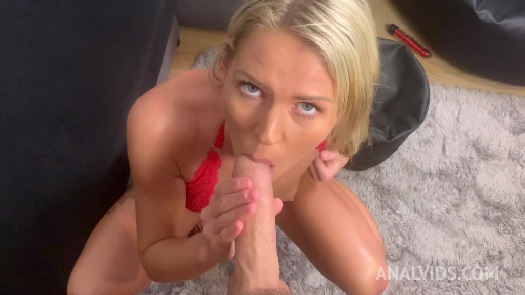 Blue eyes blonde Claudia Mac gets an ass full of cum after being assfucked by Tomas J (anal/anal creampie/homemade)