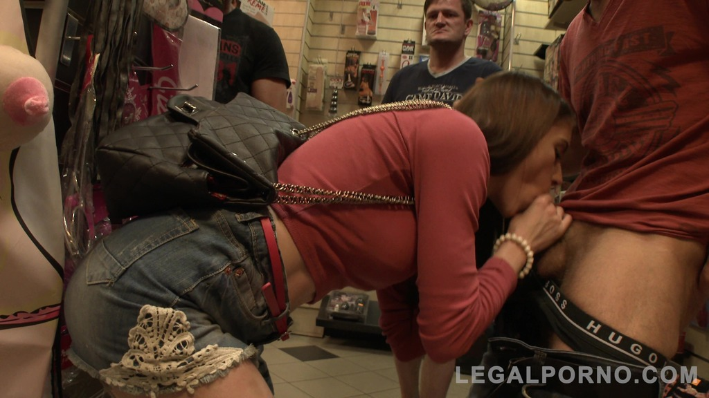 Anna De Ville assfucked in the Sex Shop (0% pussy) SZ1403