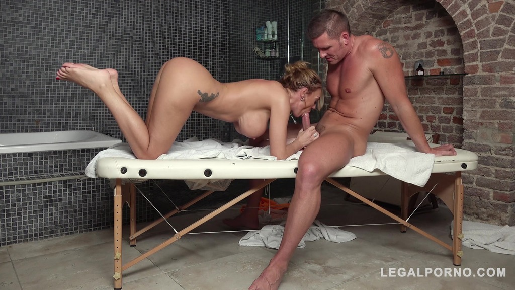 Athletic client Stacey Saran's big tits massage leads to hardcore fucking GP357