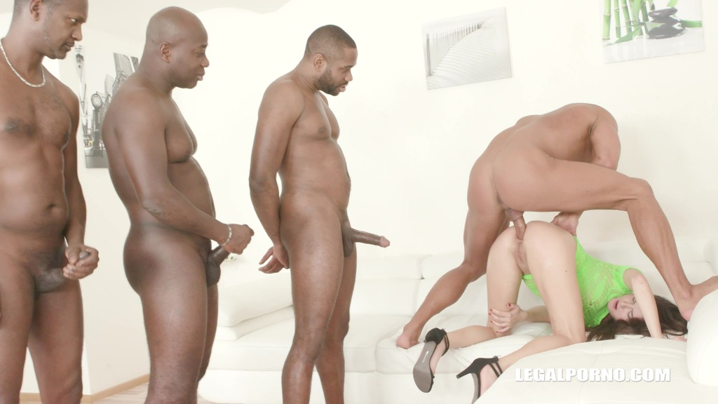 Francesca Dicaprio has fun with 4 Black cocks