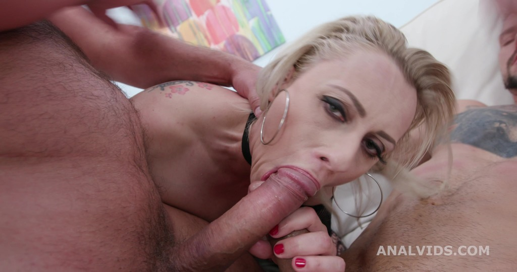 Just Lick it! Brittany Bardot & Rebecca Sharon Rose Worship with Balls Deep...