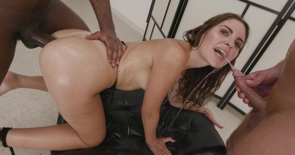 Naked Barefoot goes Wet, Miriam More, 5on1, ATM, DAP, No Pussy, Gapes, Pee Drink, Cum in Mouth GL546