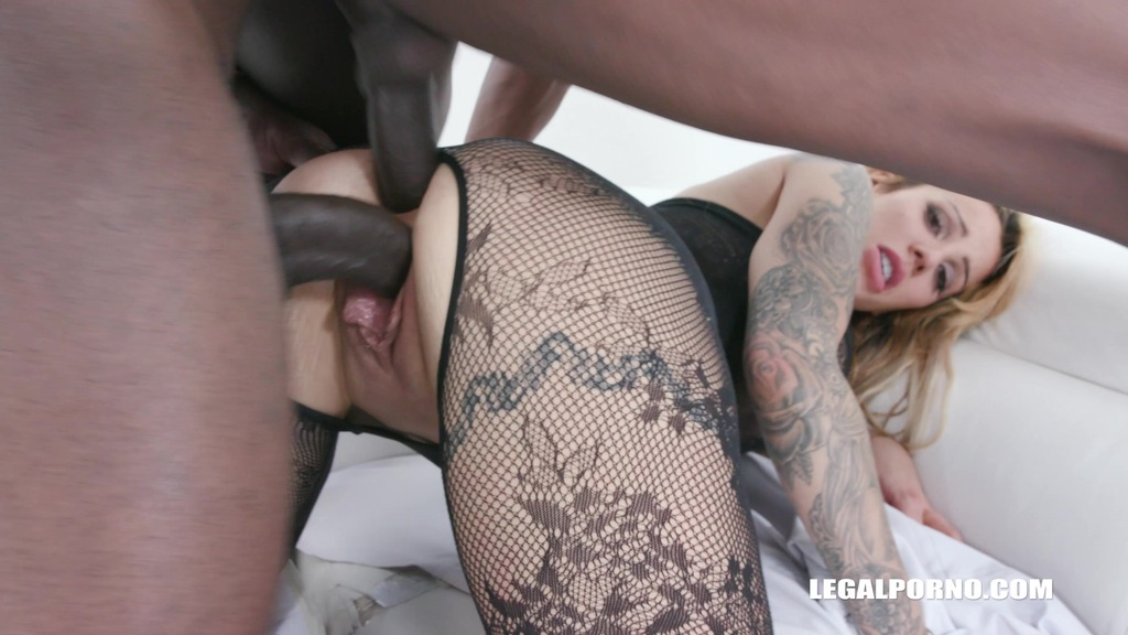 Alice Judge is obedient slut and she likes that IV502
