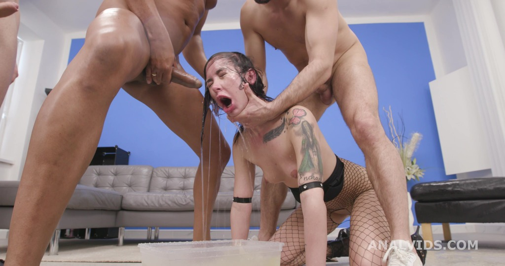 Diving in Pee with Freya Dee, 7on1, ATM, DAP, No Pussy, Pee Drink, Swallow GIO1560