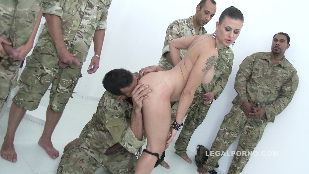 10 man anal gangbang for Billie Star