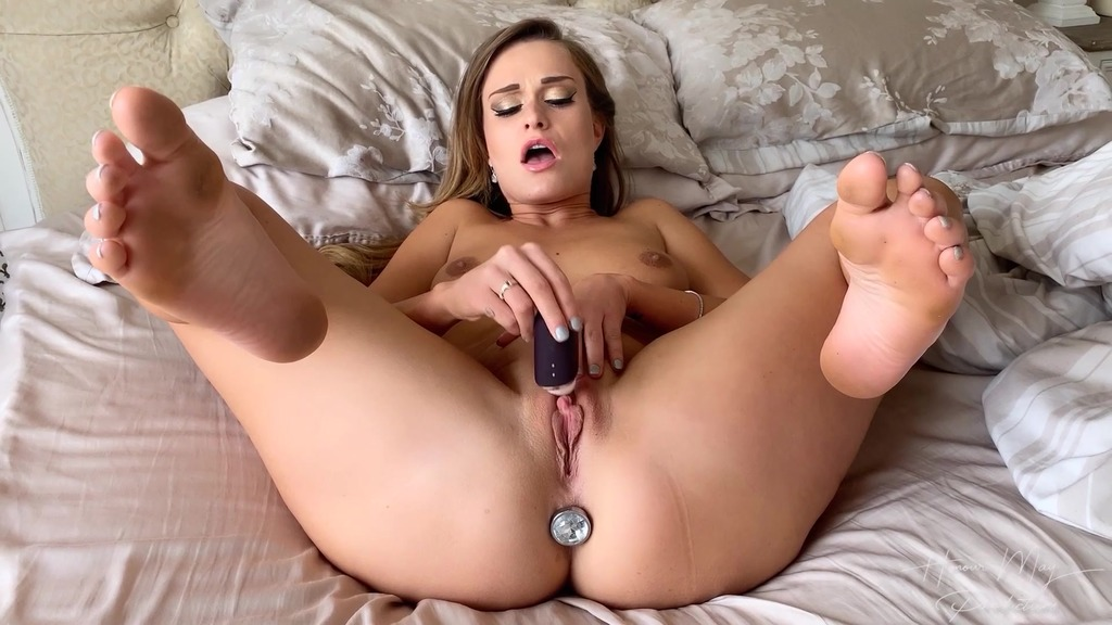 Honour May - Butt plug and clit play HM007