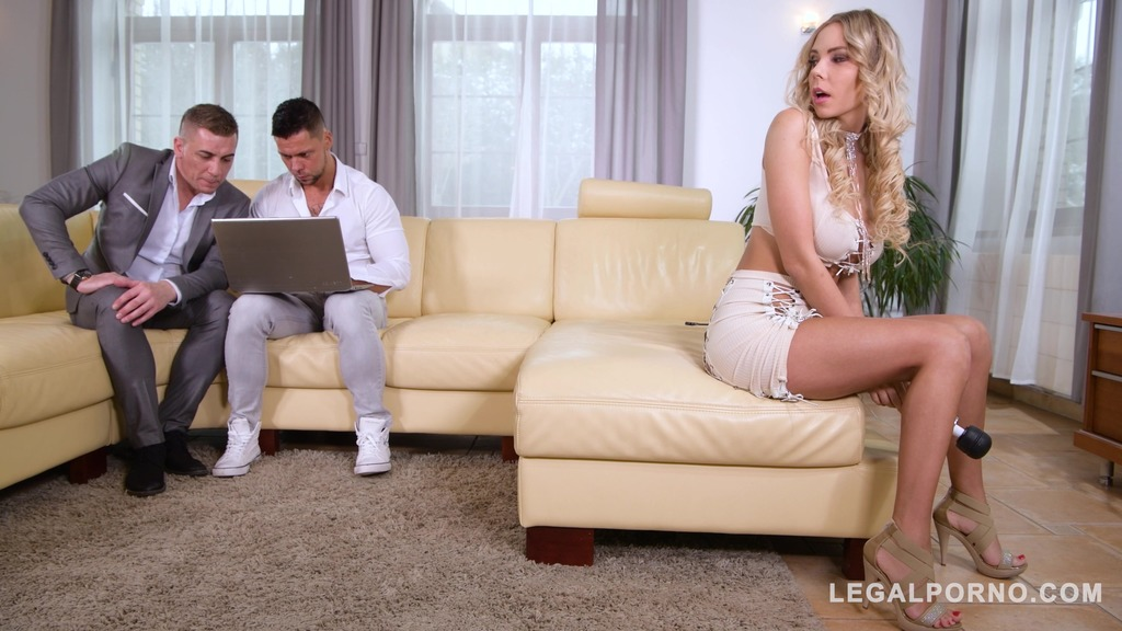 Two massive cocks & big sex toy make blonde stunner Florane Russell cum GP874