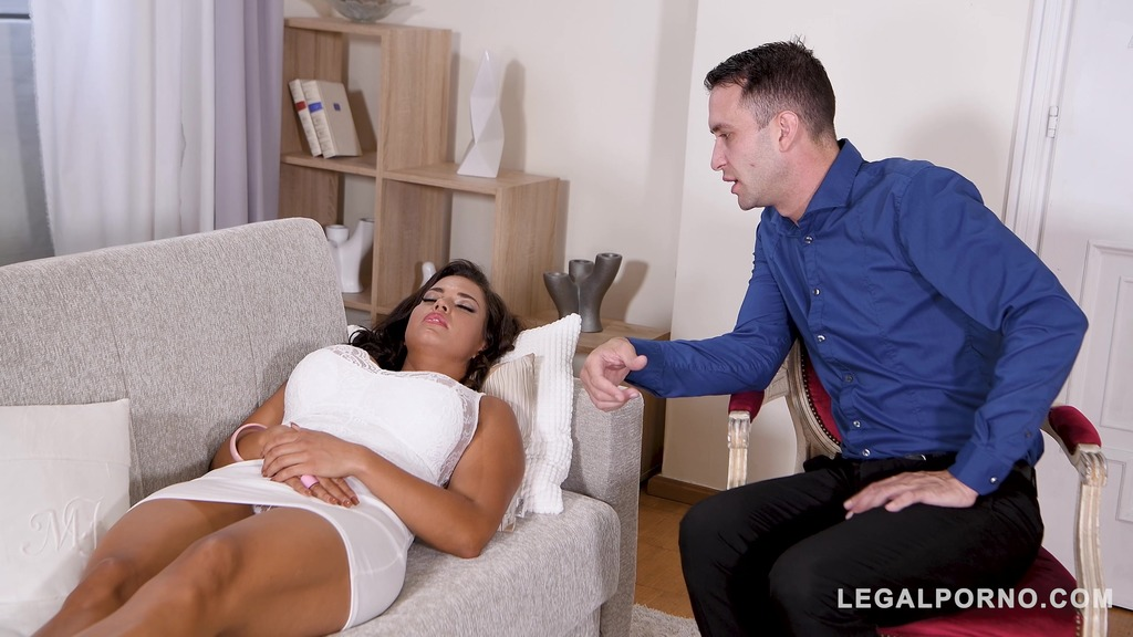 Absolutely irresistible Chloe Lamour shares extreme BDSM fantasies with therapist GP237