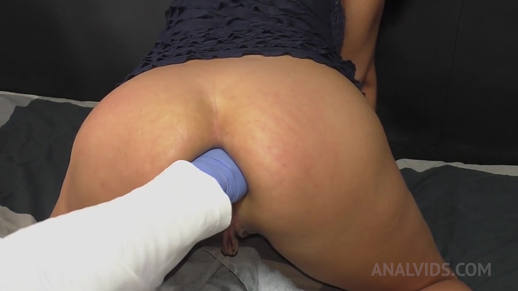 Extreme anal fisting with latex glove on for Queen Eugenia OTS133