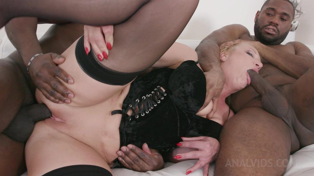 Victoria Hope enjoys anal pounding with 3 BBC KS130