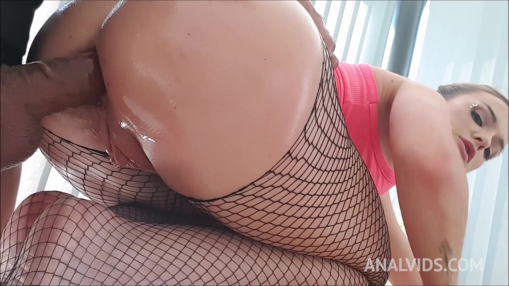 Krystal Kaytlin's ass hungry for a cock (anal POV) OTS031