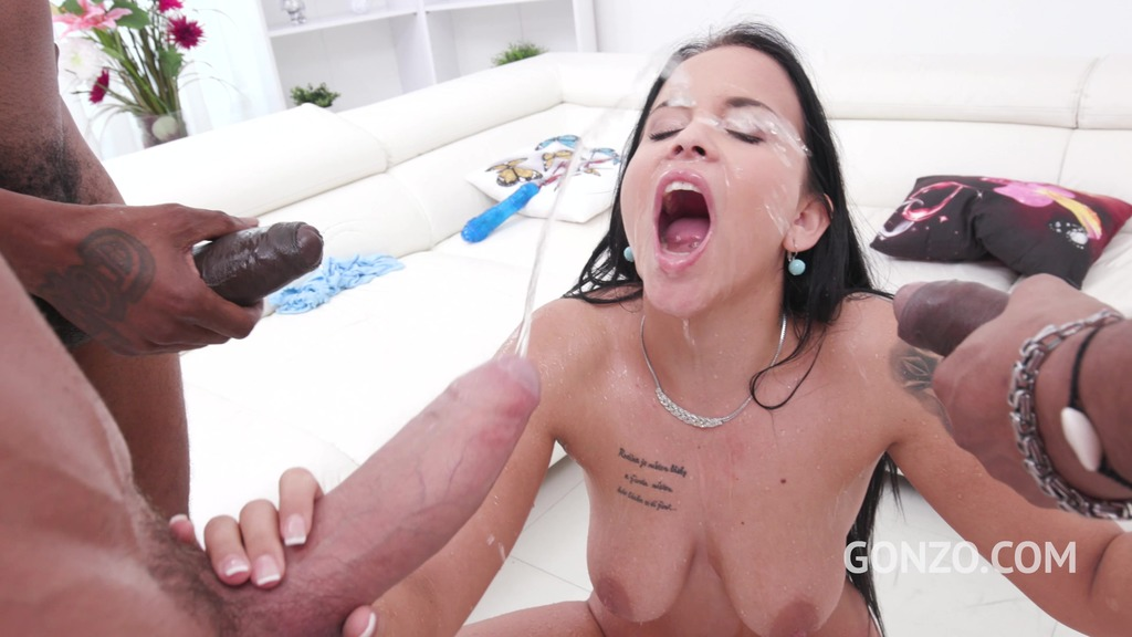 Thick slut Jennifer Mendez assfucked by Gonzo monsters with DP & Pee SZ2292