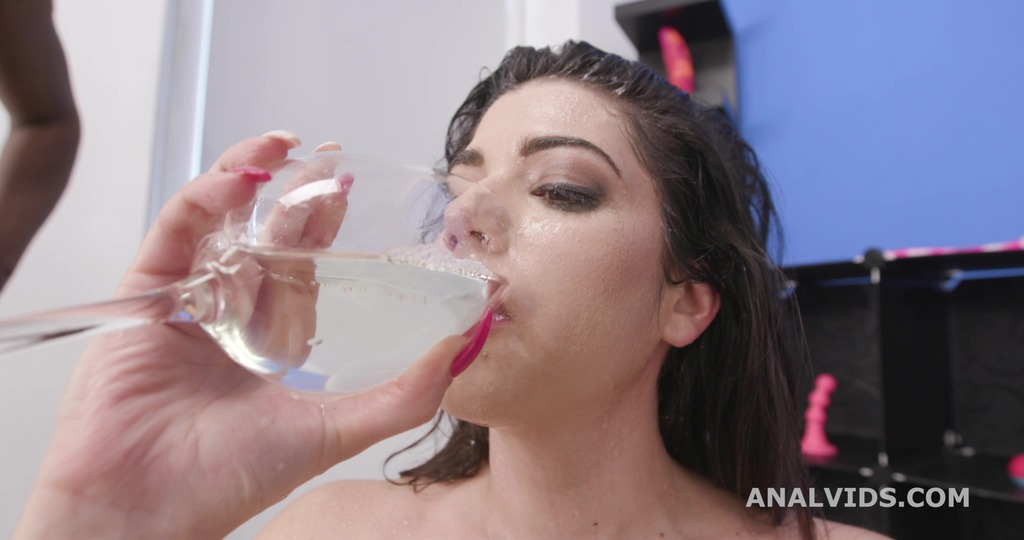 Black Pee in Glass, Elisabetta Zaffiro gets Balls Deep Anal, DAP, Gapes, lots of Pee Drink and Cumswallow GIO1758