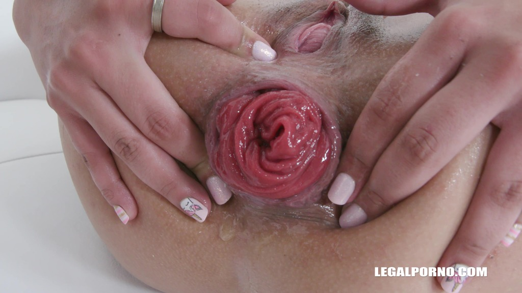Polly Petrova enjoys black cocks IV462