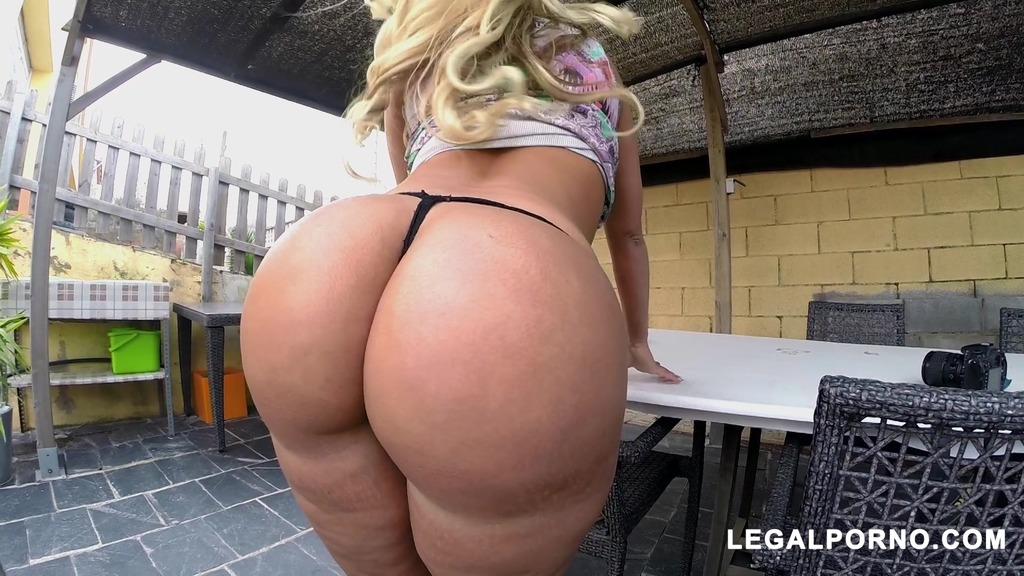 Doing Anal With Blondie Fesser's Huge Ass