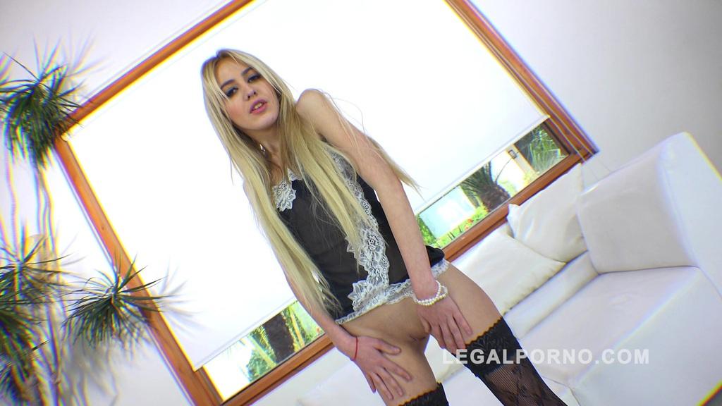 Blonde teen slut Daisy Duke first anal RS170