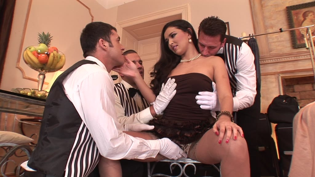 Juliana Grandi in an all orifice DP and DAP fuck fest with three big cocks GP1390